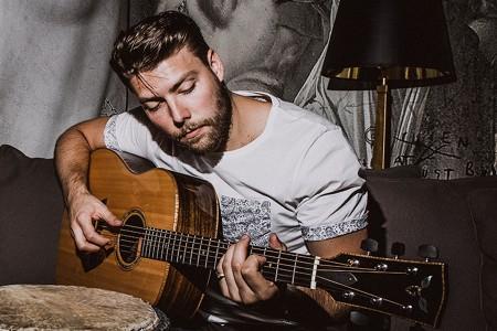 James - Singer/Guitarist