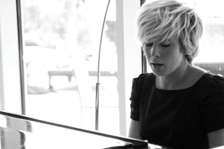 Jasmine - Singer/Pianist
