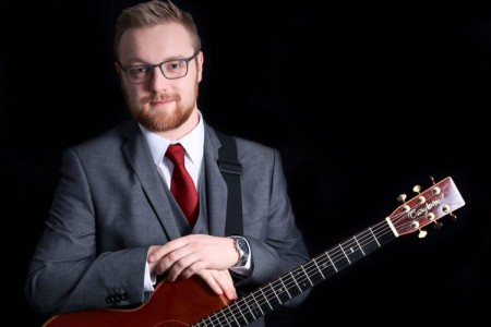 Phil - Singer/Guitarist
